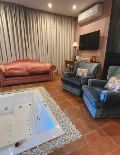 Suite Dalia Hotel Boutique Pinar Cuenca Hoteles con piscina privada